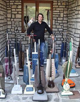 意大利男子30年集127个吸尘器