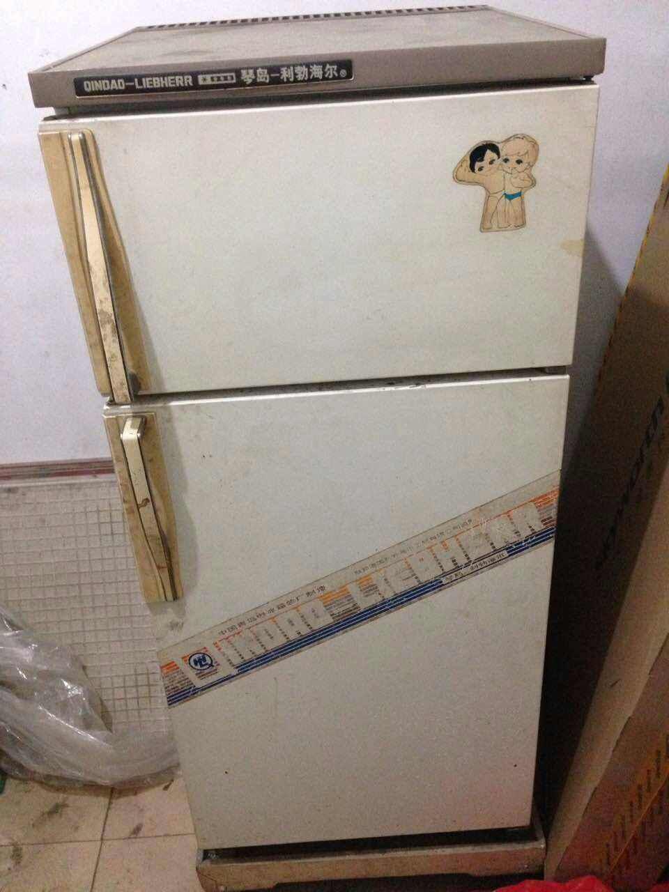 海尔小冰箱结构图
